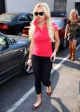 Massive Rack & Tight Pants... - Uh Oh! She's Out of rehab!! Hope you keep on the straight and Narrow this time Lindsay Lohan I miss your Mean Girls Days! Foto 1140 (��������� Rack & Tight Pants ... - Uh Oh!  ���� 1140)