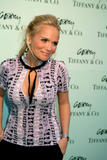 Kristin Chenoweth Just saw her on Leno and she is funny as hell. One of those everybody like her girls... ok maybe she could get annoying but still she was hilarious Foto 23 (Кристин Ченовет Просто увидел ее на Лене, и она смешные, как ад.  Фото 23)