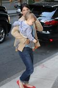 http://img139.imagevenue.com/loc206/th_866676352_Jared_Padalecki_arrives_with_family_NYC4_122_206lo.jpg