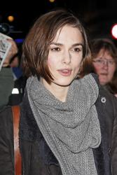 http://img139.imagevenue.com/loc221/th_64727_KeiraKnightley003_122_221lo.jpg