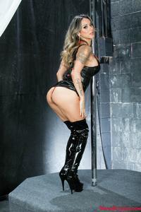 MeanWorld / SlaveOrders: Nadia Styles POV Slave Orders