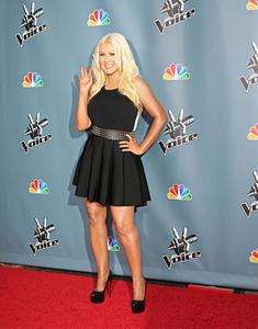 [Fotos+Videos] Christina Aguilera en la Premier de la 4ta Temporada de The Voice 2013 - Página 4 Th_986004957_Christina_Aguilera_57_122_25lo