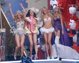 th_01243_Victoria_Secret_Celebrity_City_2007_FS525_123_403lo.JPG