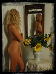 http://img139.imagevenue.com/loc498/th_648535852_J011_123_498lo.jpg