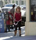 GOLDIE HAWN ~ Candids ~ Going to a Liquor Store ~ May 10 ~ {HQ x 3}